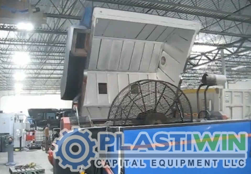 Used Fsp 80 Clam Shell Rotational Molding Machine