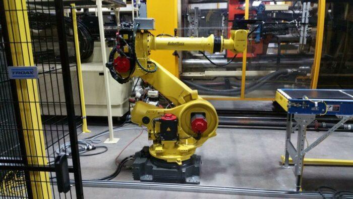 Used Fanuc R2000iA Robot