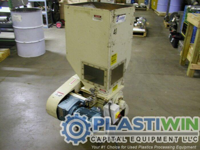 Used 1 HP Nissui FNSK-04E Grinder 2 Used 1 HP Nissui FNSK-04E Grinder
