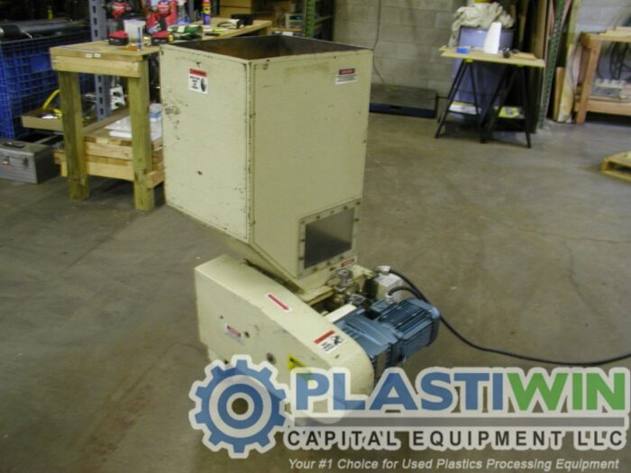 1 HP Nissui FNS04E Grinder