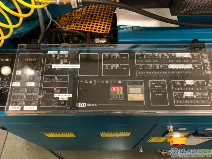 Used 22 Ton Boy 22D Vertical Injection Molding Machine
