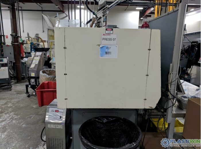 Used 89 Ton Nissei FN1000 12A Injection Molding Machine 4