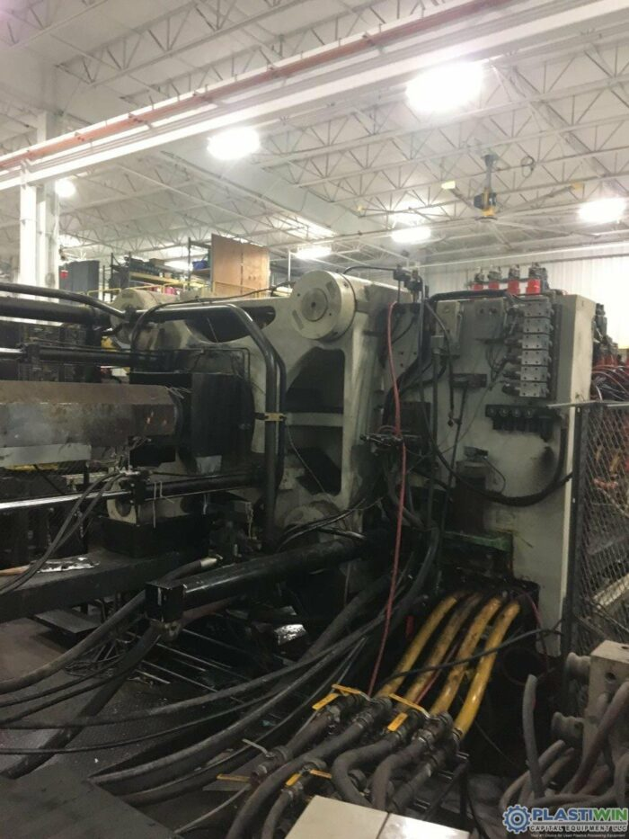Used 1100 Ton Cincinnati Milacron MM1100-413 Injection Molding Machine 2004 8 used 1100 ton cincinnati milacron