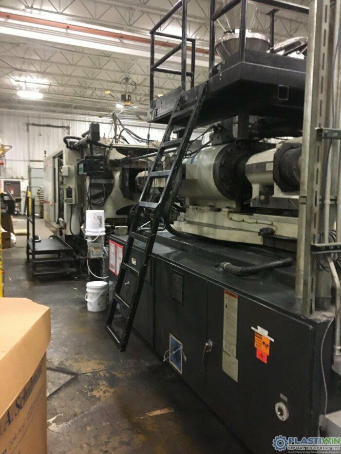 Used 1100 Ton Cincinnati Milacron MM1100-413 Injection Molding Machine 1 used 1100 ton cincinnati