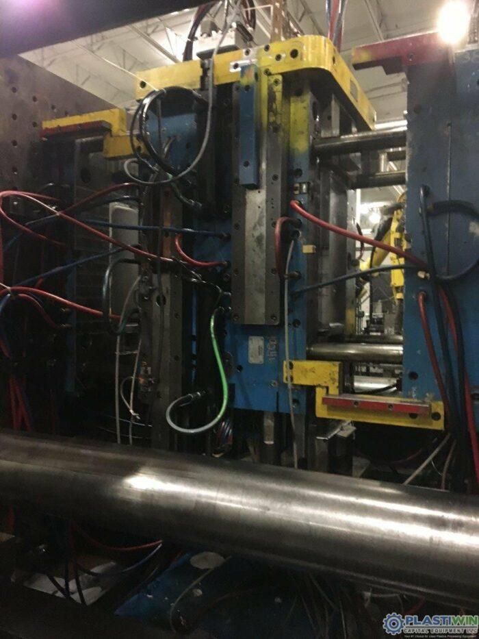 Used 1100 Ton Cincinnati Milacron MM1100-413 Injection Molding Machine 2 used 1100 ton cincinnati