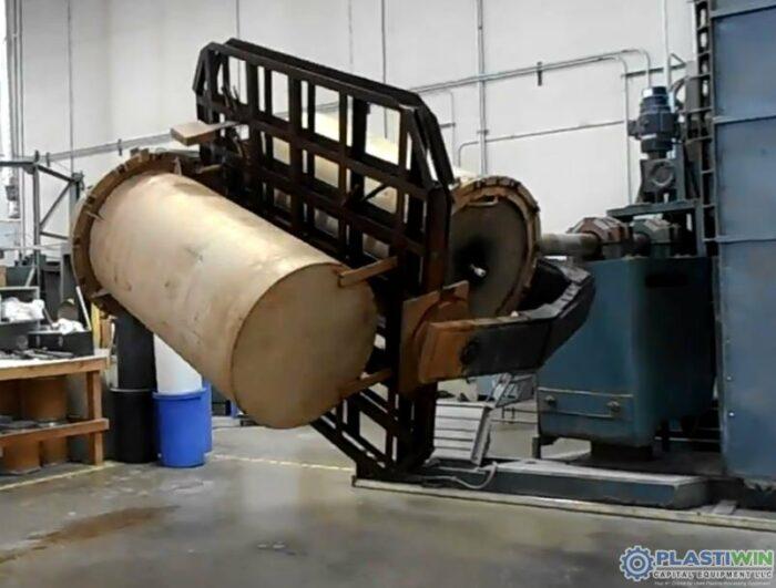 REI 2 Arm Swing Shuttle Rotational Molding Machine (10)