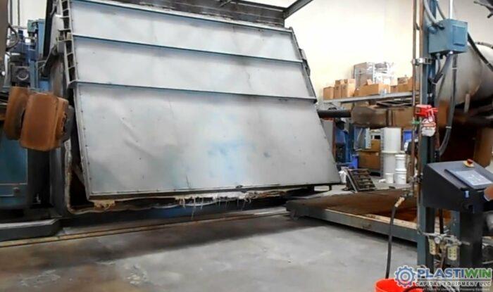 REI 2 Arm Swing Shuttle Rotational Molding Machine (12)