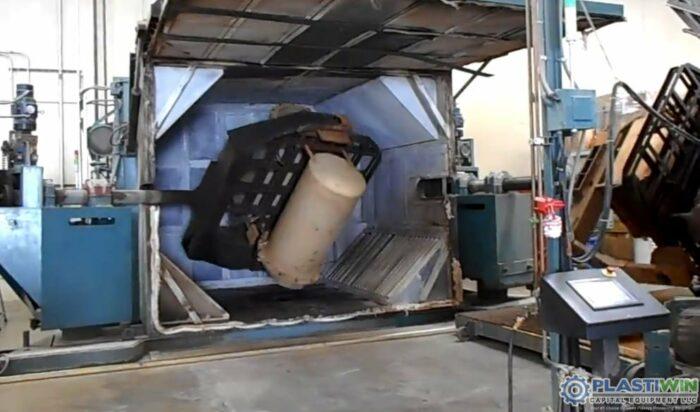 REI 2 Arm Swing Shuttle Rotational Molding Machine (3)