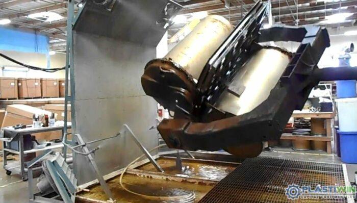 REI 2 Arm Swing Shuttle Rotational Molding Machine (6)