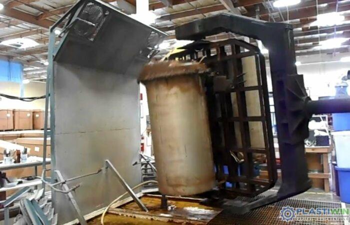 REI 2 Arm Swing Shuttle Rotational Molding Machine (7)