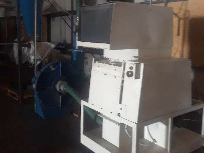 used 30 hp cumberland grinder with blower