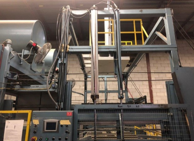 used double heater shuttle thermoforming machine for sale