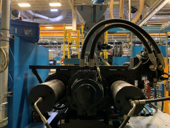 used 800 ton engel brand injection molding machine for sale