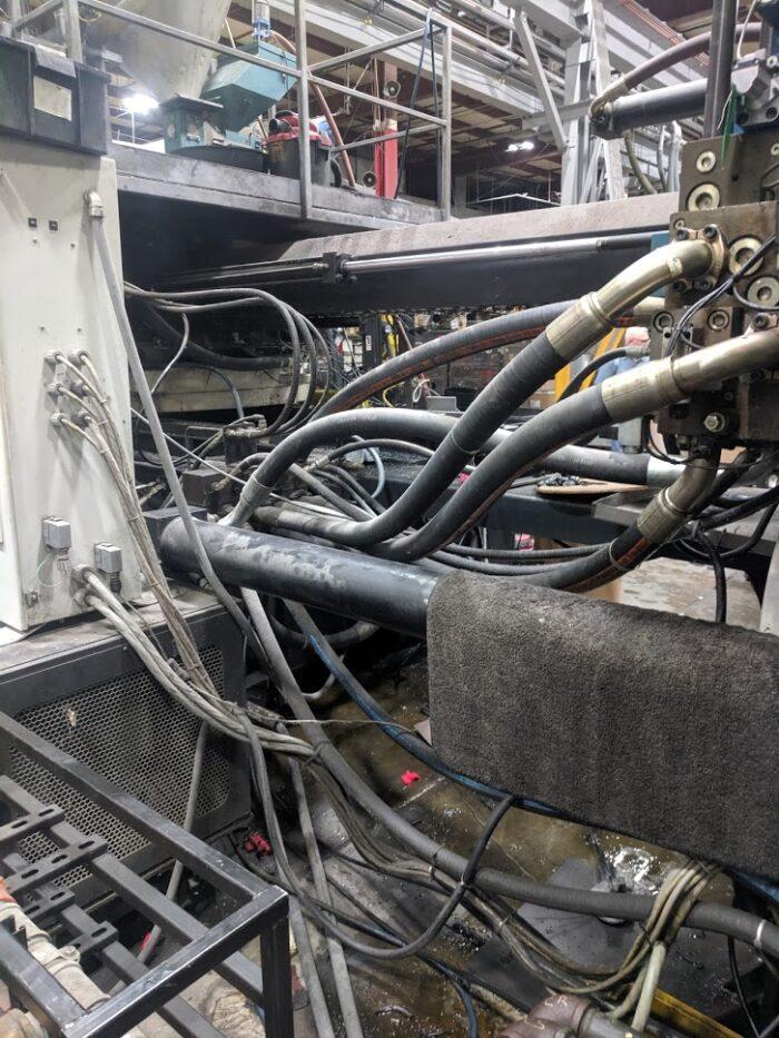 cincinnati 1880 ton plastic injection moulding equipment for sale