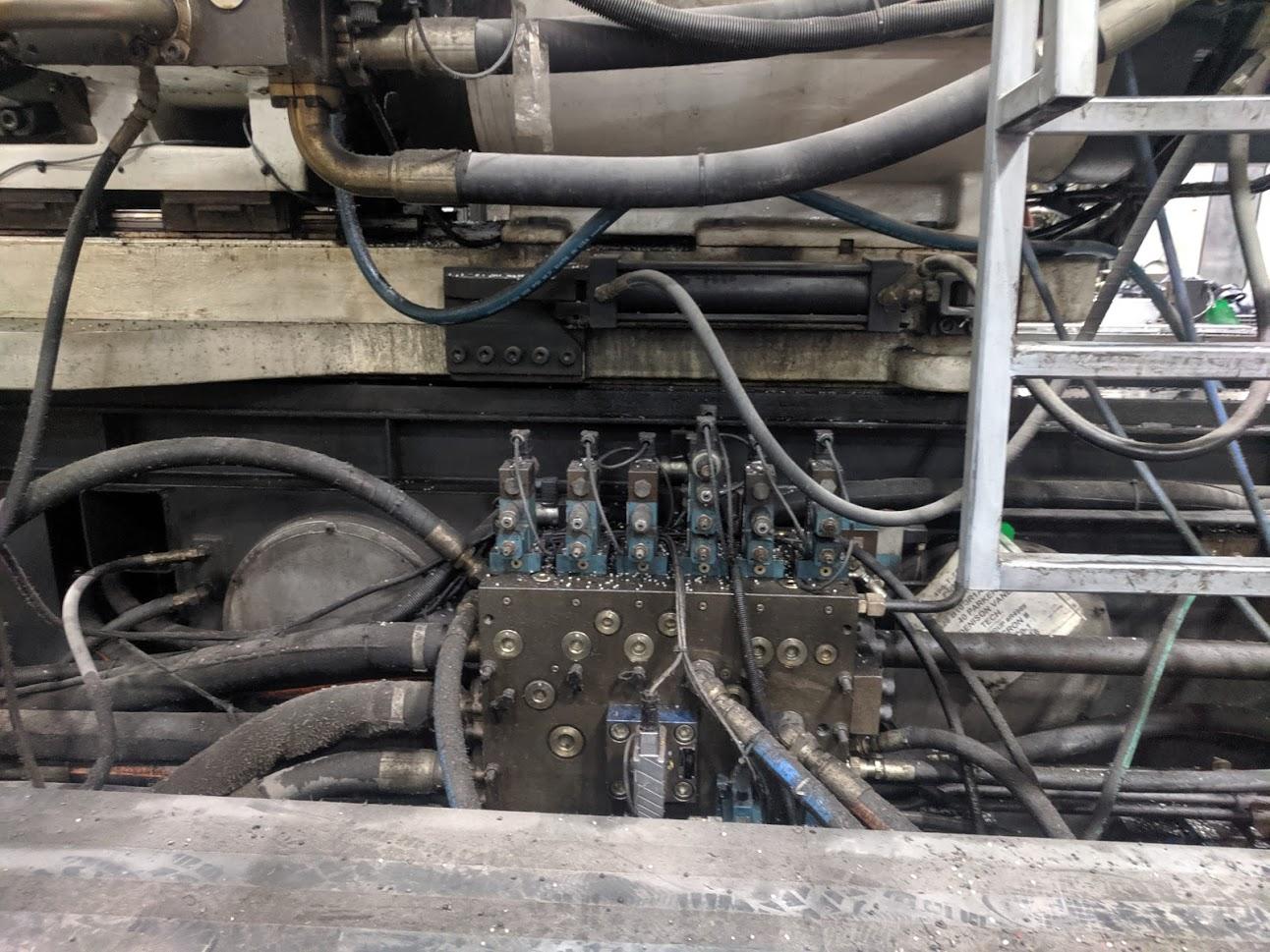 used 2000 cincinnati ml1800-540 injection molding machine for sale