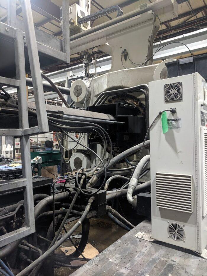purchase 1880 ton cincinnati malacon plastic injection molding machine
