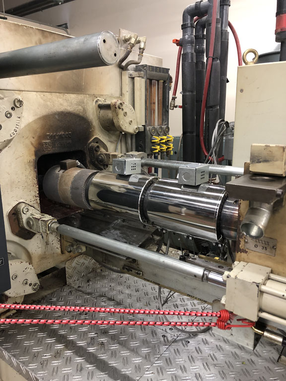 used v110-375 negri bossi injection molding machine for sale