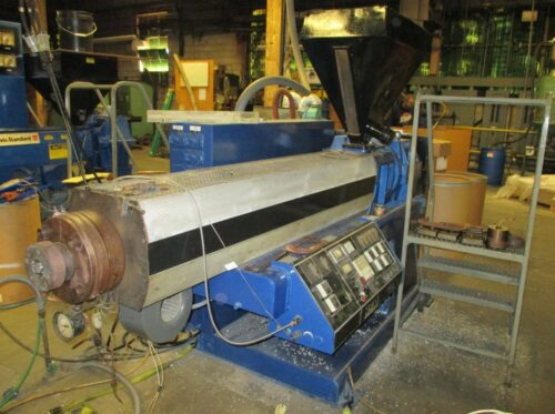 2.5in hpm low boy complete profile extrusion line
