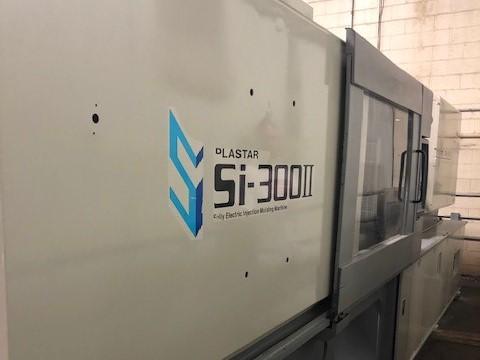 used 300 ton toyo plastar injection molding machine