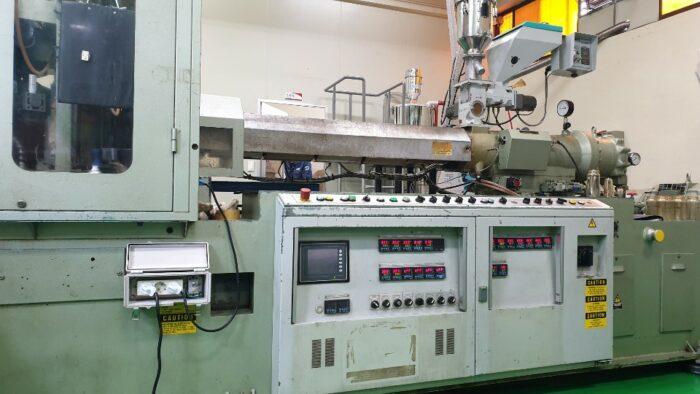 used aoki sbiii-250ll-50 blow molding machine