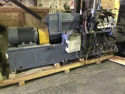 45mm 20:1 l/d xinda sjw-45 kneader w/ screen changer and melt pump