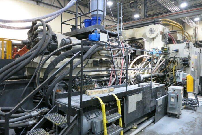 2200 Ton Cincinnati ML2200-413 Injection Molding Machine 1 2200 Ton Cincinnati
