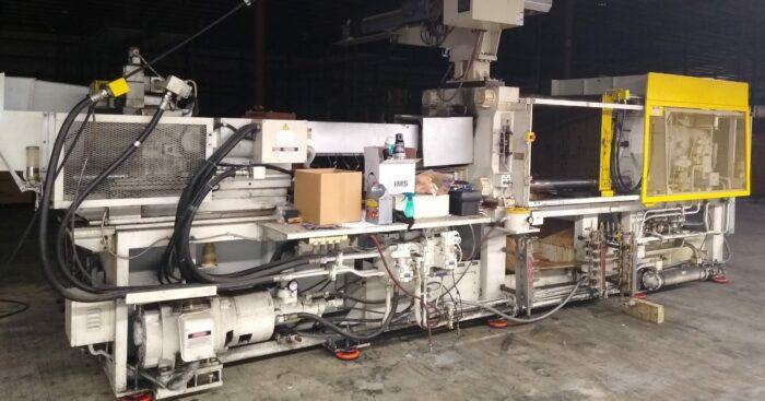 Used 310 Ton Toshiba ISF 310VL Injection Molding Machine 2 Used 310 Ton Toshiba ISF