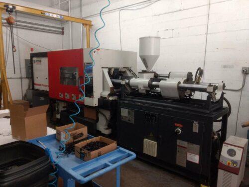 used 100 ton milacron prowler p100-9.59 injection molding machine