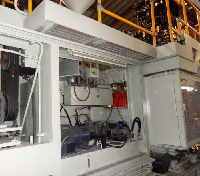 Updated Uniloy 350-C3 with Double Accumulator Head Blow Molding Machine 3 Updated Uniloy 350-C3