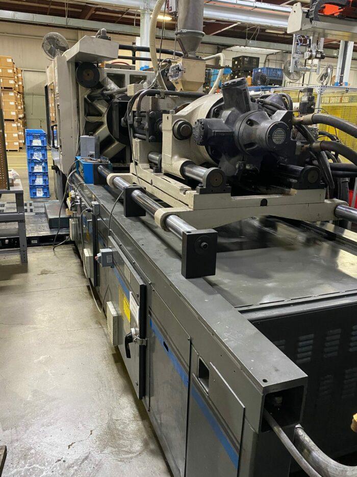 Used 500 Ton Cincinnati VH500-54 Injection Molding Machine 2 Used 500 Ton Cincinnati VH500-54