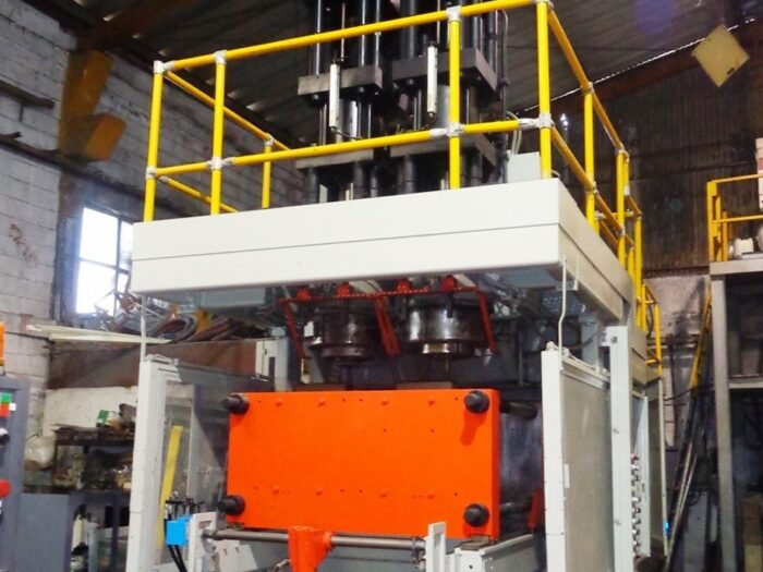 updated uniloy 350-c3 with double accumulator head blow molding machine