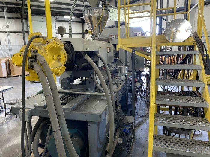 Used 300 Ton Van Dorn 300-RS-30F-HT Injection Molding Machine 2 Used 300 Ton Van Dorn