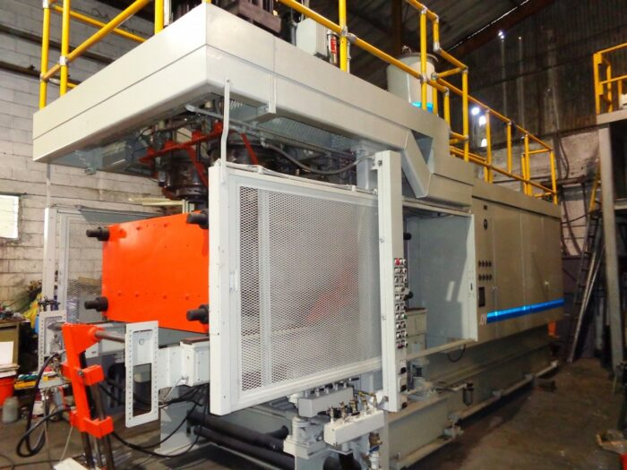 Updated Uniloy 350-C3 with Double Accumulator Head Blow Molding Machine 2 Updated Uniloy 350-C3