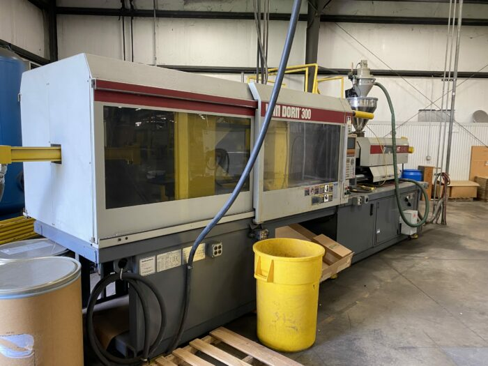 used 300 ton van dorn 300-rs-30f-ht injection molding machine