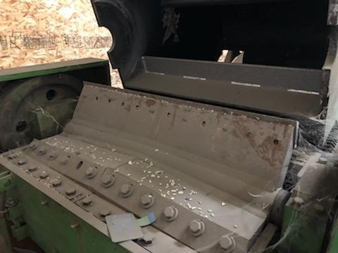 Used 100 HP Grinder with Infeed and Discharge Conveyors 3 Used 100 HP Grinder