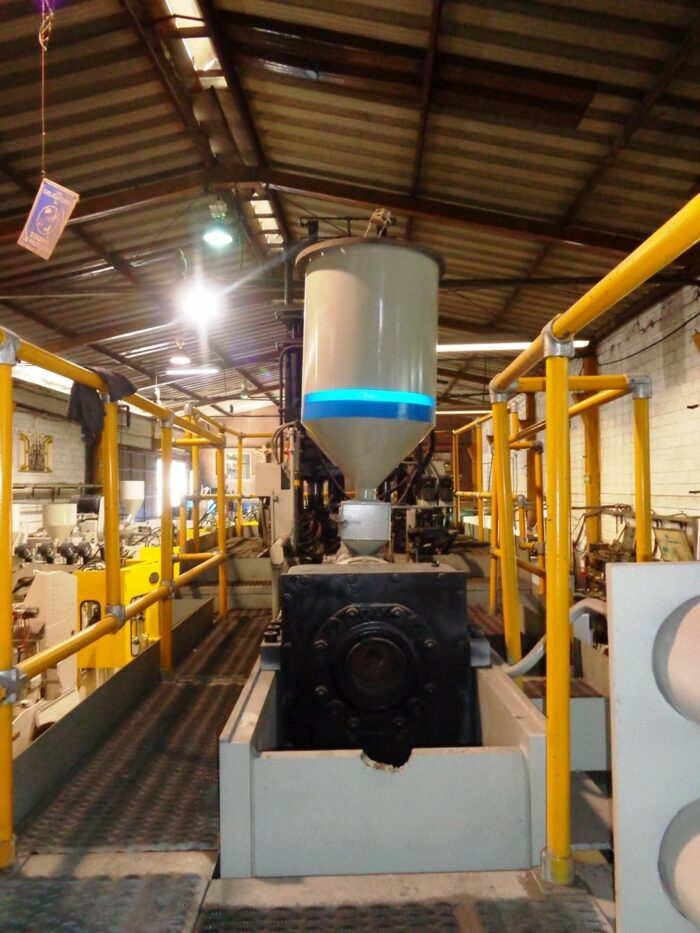 Updated Uniloy 350-C3 with Double Accumulator Head Blow Molding Machine 1 Updated Uniloy 350-C3