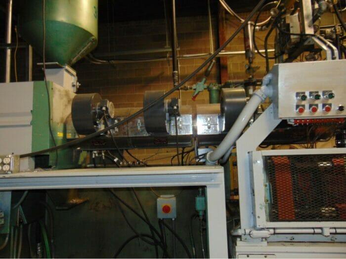 used reciprocating screw blow molding machine