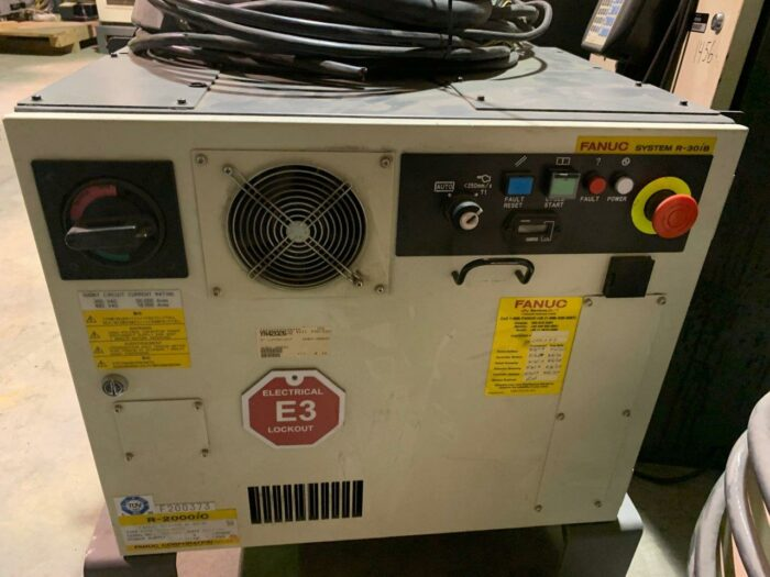 used fanuc r2000ic/125l 6-axis robots