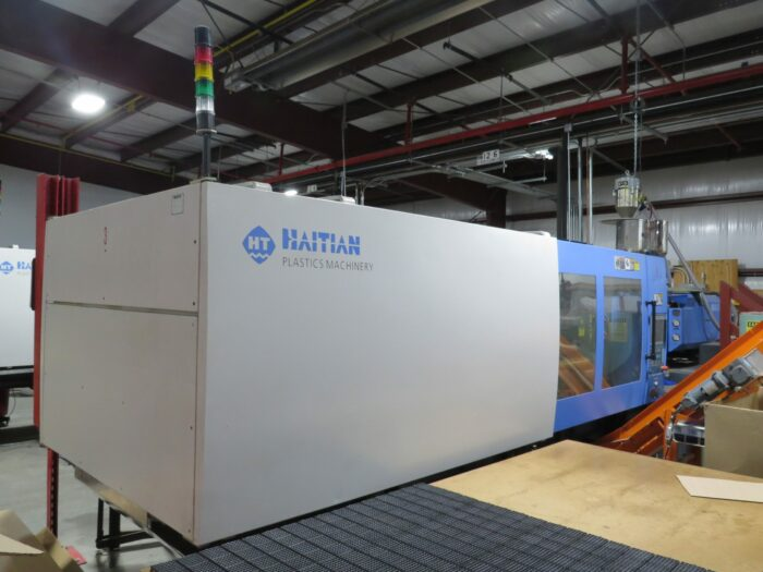 used 427 ton haitian ma3800 injection molding machine