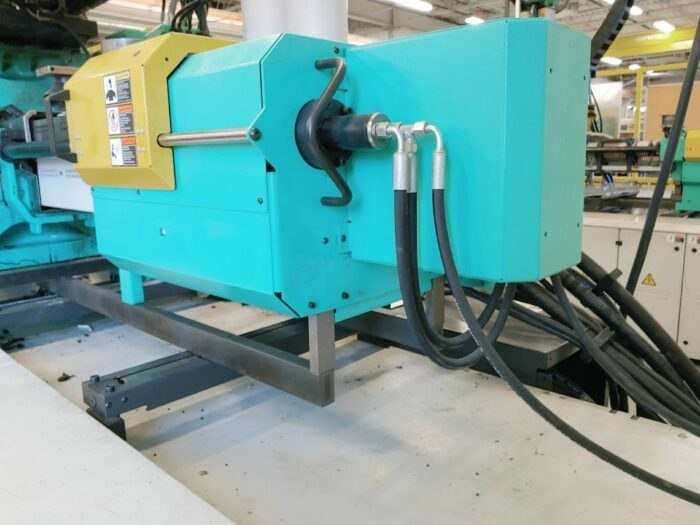 Used 242 Ton Arburg 570S 2200/400 2-Shot Injection Molding Machine 2 Used 242 Ton Arburg