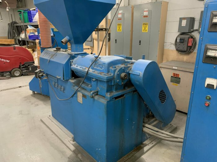 """used 1.5"""" sterling 24:1 single screw extruder"""