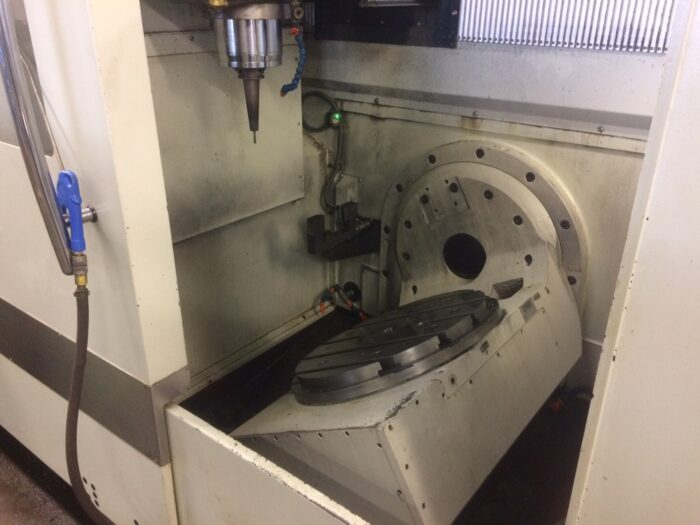 used spinner u5-620 5-axis cnc milling center