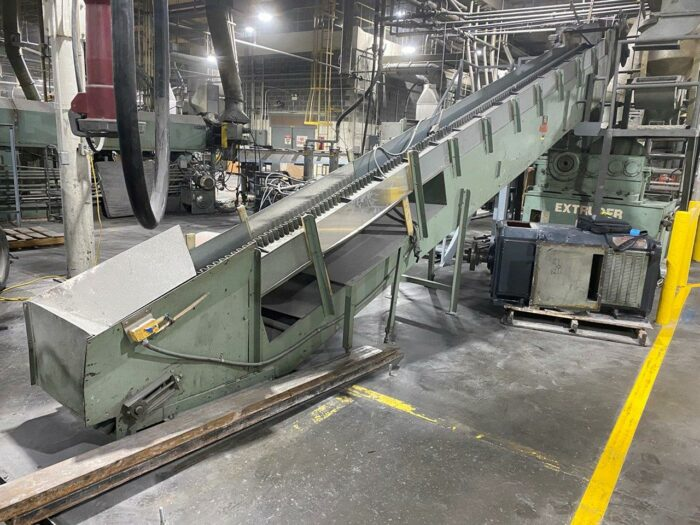 Used 25' Cleated Conveyor with Eriez Metal Detection System 1 Cleated Conveyor with Eriez