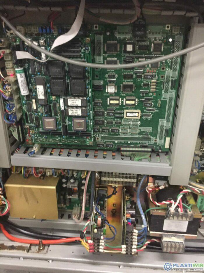 200 Ton Toyo 200H Injection Molding Machine 6 200 Ton Toyo 200H Injection Molding Machine
