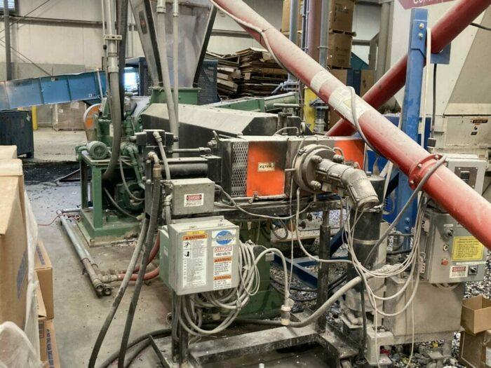"used 3.5"" 150 hp davis standard single screw extruder"