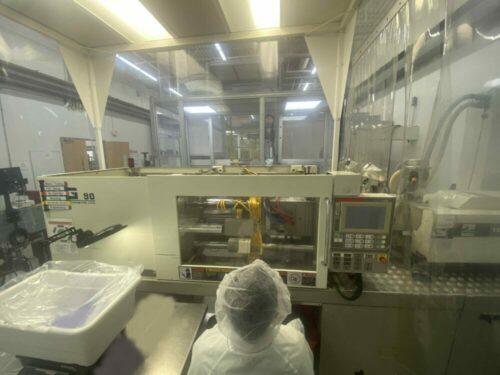 used 90 ton toshiba isg90v10-2 injection molding machine