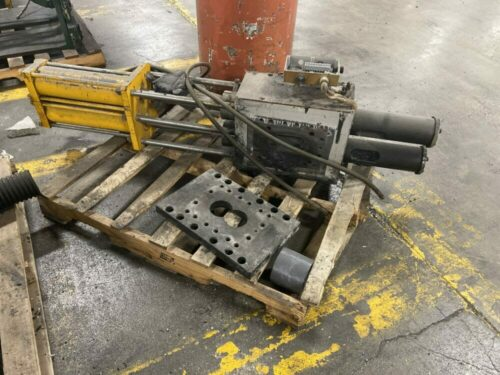 """Used 4.5"""" Hydraulic Slide Plate Screen Changer"""