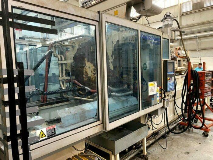 Used 427 Ton Krauss Maffei KM380/3500/C3 Injection Molding Machine