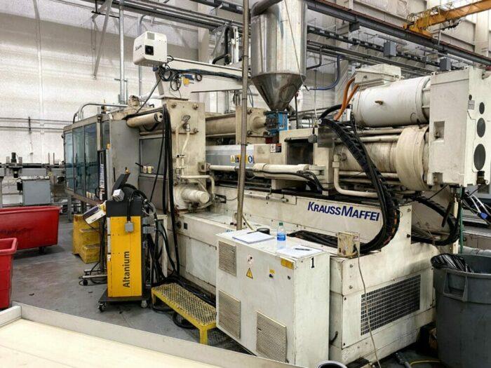 Used 505 Ton Krauss Maffei KM450/3500/C3 Injection Molding Machine
