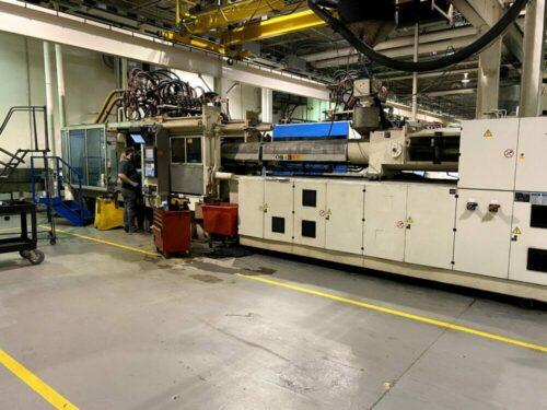 Used 562 Ton Krauss Maffei KM500/12000/C2 Injection Molding Machine